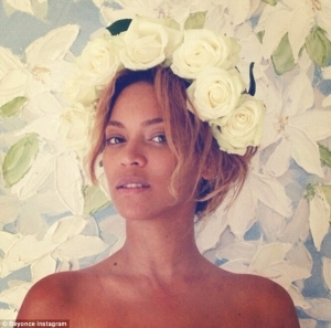 Beyonce Shares Flawless Make-up Free Photo