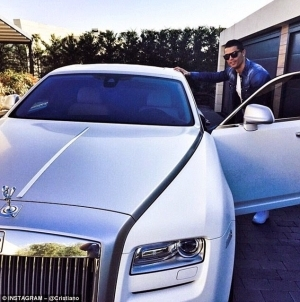 Cristiano Ronaldo Goes To Training In £330,000 White Rolls-Royce Ghost