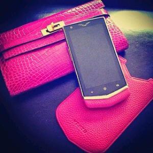 Daniella Okeke Flauts Her 1million Naira Vertu Android Phone.