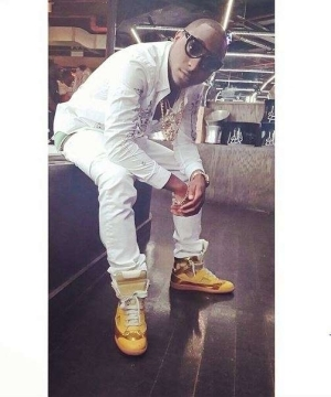Davido gushes about being handsome and wealthy