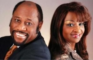 Dr. Myles Munroe, Wife Ruth, 7 Others Die in Aircrash