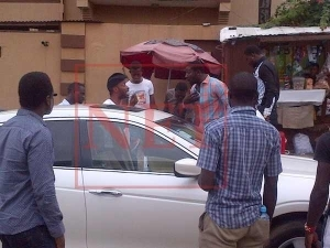 Gbeghe!! 9ice fighting on the streets of Ikeja | Photos