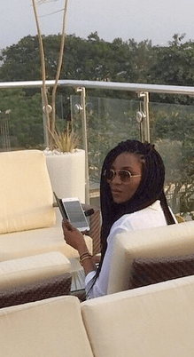 Genevieve Nnaji and her lovely braids chill in Lagos (pics)