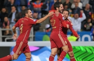 Isco stunner sets up comfortable victory