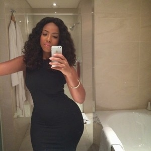 Jocelyn Dumas Shows Off Her Sexy Curves