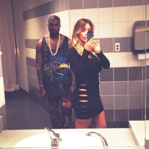 Kim Kardashian submits 2,000 selfies for new book