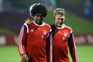 Manchester United Wants Dante And Bastian Schweinsteiger