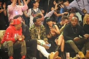 Nicki Minaj and boo Meek Mill attend basketball game (photos)