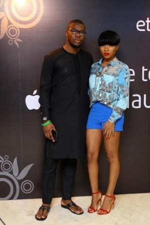 Photos: Mocheddah gets cozy with boo at Etisalat gig