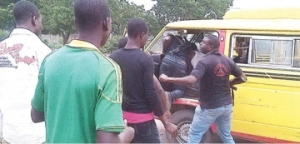 Policemen assault driver, conductor for failure to 'settle'
