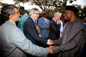 President Jonathan meets with Diplomatic corps in Abuja