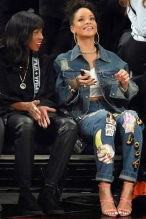 Rihanna Wore Boyfriend Jeans  Which Worth N500k (photos)
