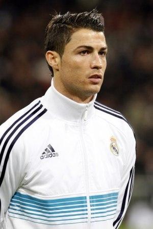 Ronaldo backs Bale