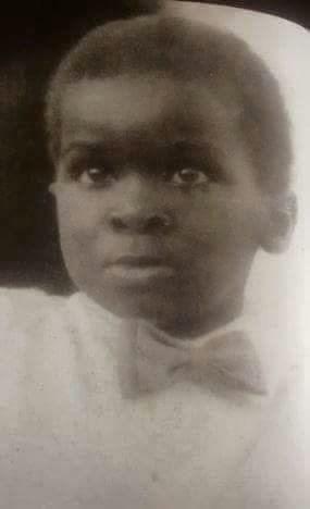 See Childhood Photo Of Governor Of Lagos State, Fashola