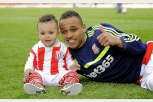 Stoke City Striker, Osaze Odemwingie Shares How He Survived 6-Month Injury Nightmare