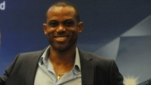 Sunday Oliseh To Emerge As Nigeria's New Coach – BBC Sport