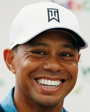 Tiger Woods replaces tooth that got knocked out