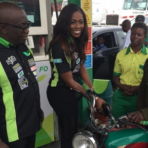 Tiwa Savage Turns Pump Attendant at Forte Oil Gas Stations in Lagos