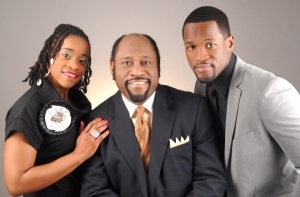 Tragic News! Internationally Renowned Preacher Dr. Myles Munroe and Family Killed In Bahamas Plane Crash!