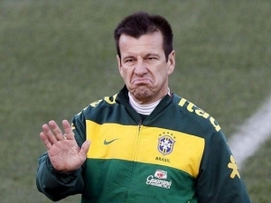 Virus Affected 15 Brazil Players - Dunga