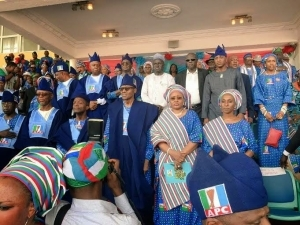 Was Buhari stoned at Lagos rally? See the massive turn out