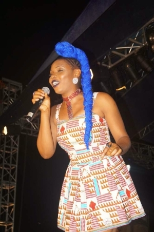 Yemi Alade Steps Out With Blue Weavon