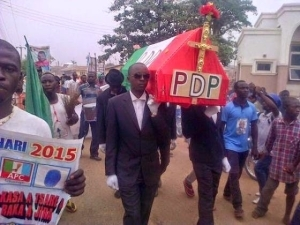 Youths in Bauchi hold mock burial procession for PDP