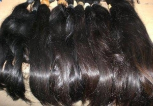 """Zambian Woman Gives Birth To Pure Brazilian Hair """"Baby""""After 10 Months Of Molar Pregnancy"""