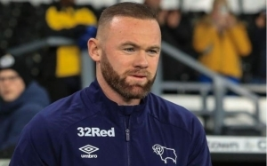 Wayne Rooney Predicts Winner Of PSG vs Bayern Munich Today