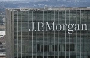 JPM Survey: 30% Agree With Warren Buffett on Bitcoin Being 'Rat Poison'