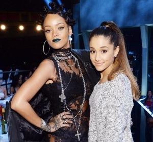 Rihanna Ft. Ariana Grande & Doja Cat – Dollars