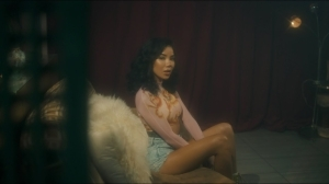 Jhené Aiko - Tryna Smoke (Video)