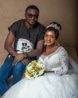 Nigerian Groom Rocks Dashiki and Jean to His Wedding, Nigerians React (Photos)