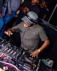 Dlala Thukzin – Quarantine Party Mix