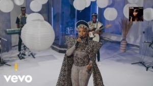Yemi Alade – Empress (Live) (Video)