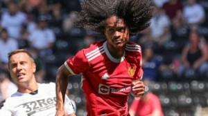 Man Utd formally release Chong for Birmingham loan