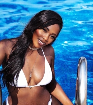 """""""I Don't Need A Pen To Draw Your Attention""""- Tiwa Savage Says As She Posts New Steamy Photos"""