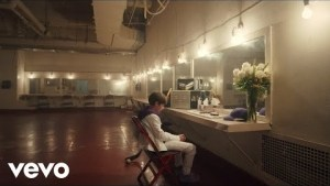 Justin Bieber & Benny Blanco – Lonely (Video)