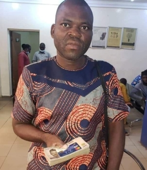 Man Returns Money And ATM Card He Found At ATM Point To A Bank In Sokoto (Photo)