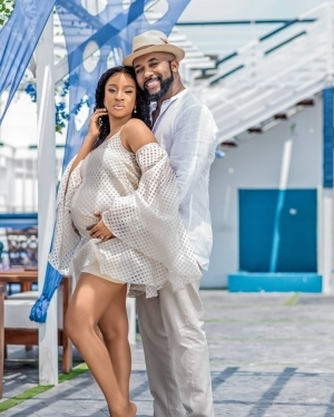 Adesua Etomi Reacts After Blogs Accused Her of Faking Her Pregnancy