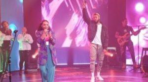 "Ada Ehi ft. Limoblaze – ""Never Go Down"" (Live Performance) (Video)"