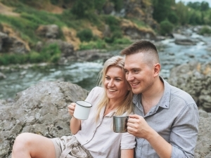 What Does A Healthy Relationship Look Like? 6 Signs Yours Is On Track