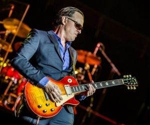Joe Bonamassa – A Conversation With Alice