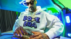 Snoop Dogg - Gang Signs ft. Mozzy (Video)
