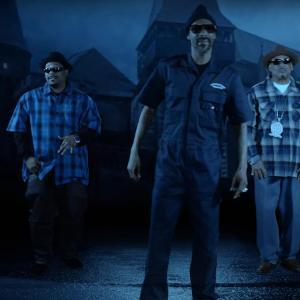 Tha Eastsidaz Ft. Snoop Dogg – Hood Creeps Out At Night