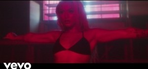 DaniLeigh - Baby Say (Video)