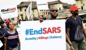 Police reportedly kill one, injure many during protest against SARS brutality in Sagamu, Ogun State (Video)