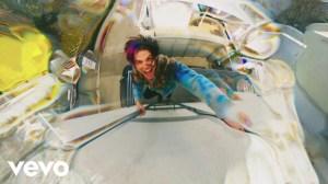 YUNGBLUD – Weird (Music Video)