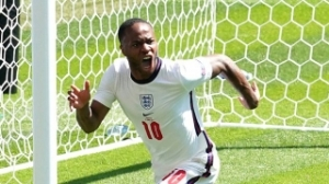 Sterling expecting to stay at Man City next season