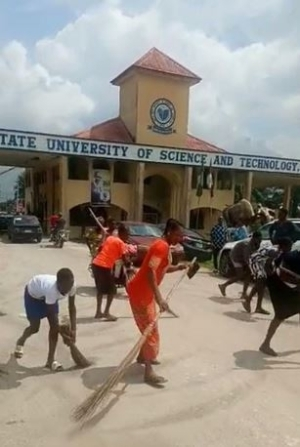Delta Poly Students Celebrate Exit Of Rector By Sweeping Main Gate (Video)
